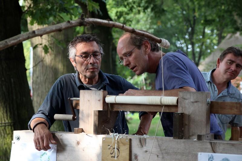 14977995638 48801d3ac4 k workshops in de natuur - Steen ijzer smeden ...
